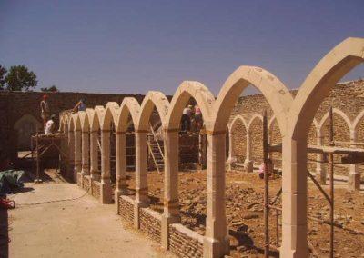 Finition de la pose des arches
