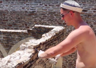 Mise à niveau du mur du cloître